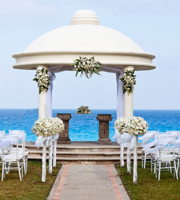 Belongil Beach Wedding Ceremony: Beach Wedding Ideas